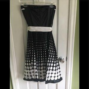 Dresses & Skirts - Satin strapless party dress